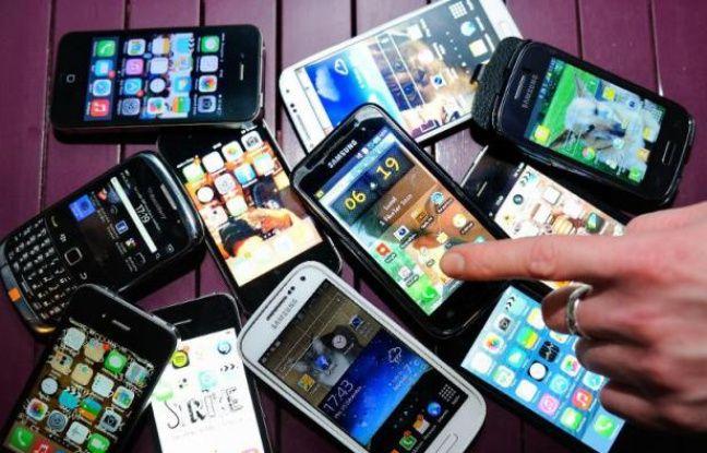 Des téléphones portables