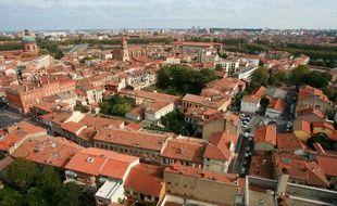 Illustration. Toulouse vue d'en haut depuis le quartier st cyprien. centre ville de toulouse.