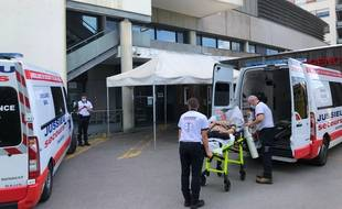 L'actuelle entrée du service des urgences de l'hôpital privé Confluent.