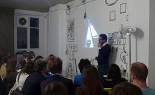 La nouvelle School of Life à Paris propose des cours du soir pour booster sa créativité ou réaliser son potentiel.