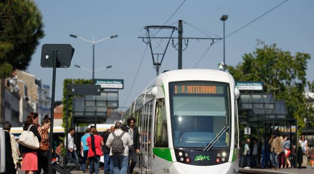 nantes l 39 opposition demande le retour des anciens horaires dans les bus et les trams. Black Bedroom Furniture Sets. Home Design Ideas