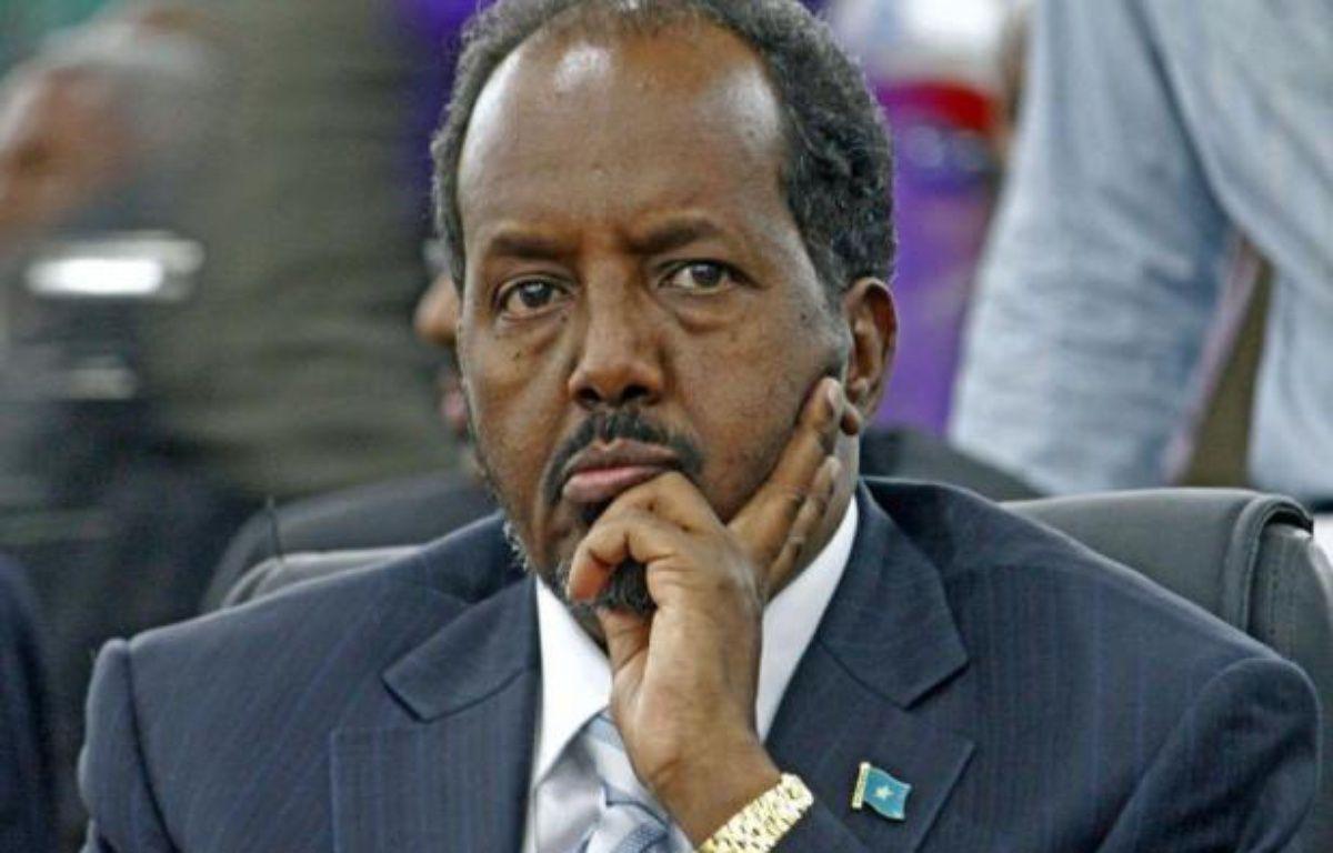 L'universitaire Hassan Cheikh Mohamoud, outsider âgé de 56 ans, a été élu lundi président de Somalie au 2e tour par les députés réunis à Mogadiscio, par 190 voix contre 79 au chef de l'Etat sortant, Sharif Cheikh Ahmed, a annoncé le président du Parlement Mohamed Osman Jawari. – Mohamed Abdiwahab afp.com