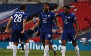 Olivier Giroud a inscrit le but du 1-0 contre Manchester United dimanche à Wembley.