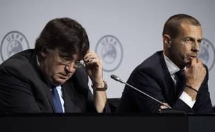 Le président de l'UEFA Alexander Ceferin (dr.) lors d'une conférence de presse, le 3 mars 2020.