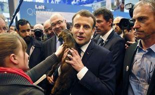 Emmanuel Macron lors de sa visite du 55e Salon de l'agriculture, à Paris, le 24 février 2018.
