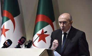 Le ministre de l'Intérieur Gérard Collomb, lors d'une conférence de presse donnée à Alger le 15 mars, après une rencontre avec son homologue algérien Noureddine Bédoui.