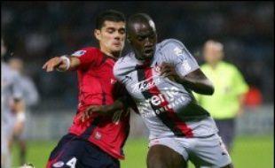 Tout comme Lyon, qui enchaîne les compétitions avec un égal bonheur, Lille a confirmé sa résistance héroïque face au grand AC Milan (0-0), mardi en C1, même si l'adversaire du soir, la lanterne rouge niçoise, battue 1-0, n'avait pas tout à fait le même pedigree.