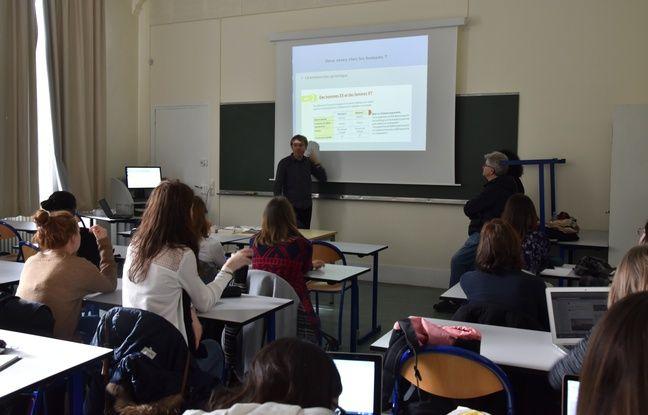 Antoine survole cyberharcèlement, majorité sexuelle, clichés sexistes et autres articles de loi importants à rappeler pendant les cours d'éducation sexuelle.