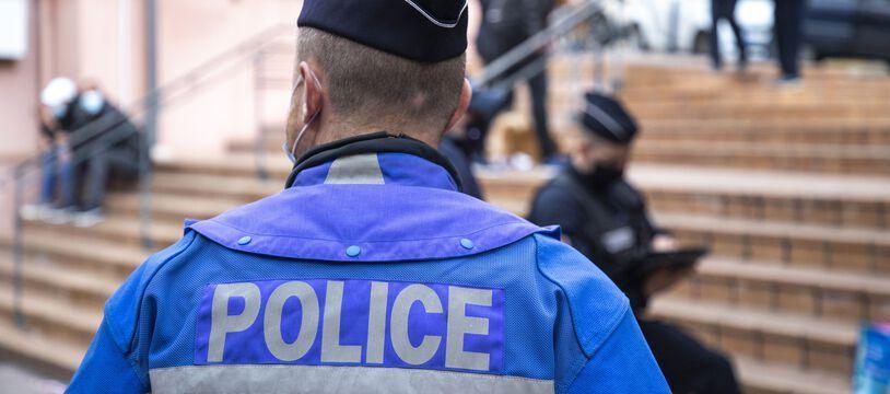 Un policier, ici à Cannes. (illustration)