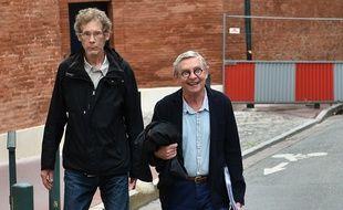 Gilles Bertin, l'ex chanteur punk, et son avocat, Christian Etelin, à leur arrivée devant les assises de la Haute-Garonne le 6 juin 2018.