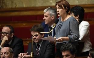 La députée écologiste Isabelle Attard lors des Questions au Gouvernement le 20 janvier 2016.