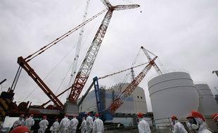 Visite le 1er mars 2014 de la centrale nucléaire de Fukushima, devant le réacteur 1