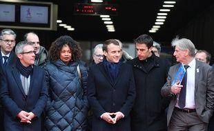 Laura Flessel, avec le président la République Emmanuel Macron et celui de Paris 2024 Tony Estanguet, lors d'une visite à Saint-Denis le 28 février 2018.