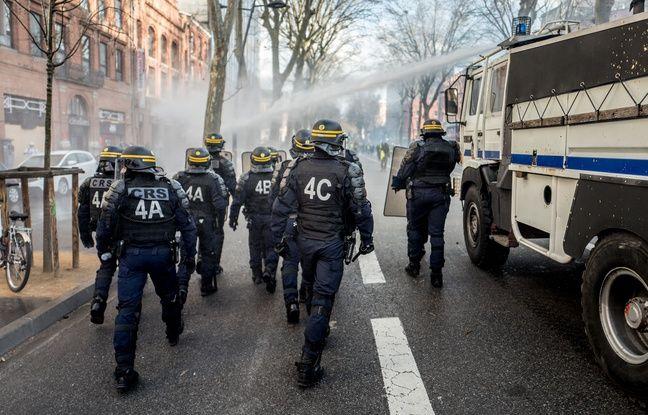 VIDEO. «Gilets jaunes»: La police a-t-elle frappé deux journalistes à Toulouse lors de l'acte 22?
