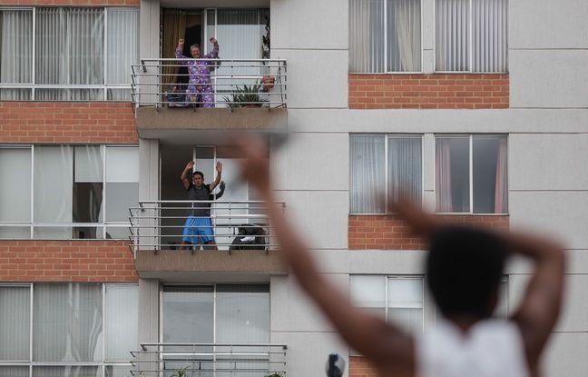 Coronavirus en Colombie: La police donne des cours de Zumba pour divertir les habitants pendant le confinement