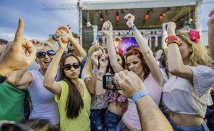 En festival ou au camping, les bracelets d'identification permettent aussi de payer vos achats !