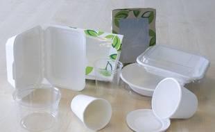 Les emballages écologiques faits avec du maïs, de la bagasse, du plastique recyclé ou du carton.