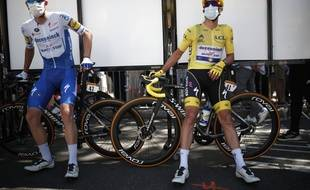A droite, Alaphilippe, époque maillot jaune sur le Tour