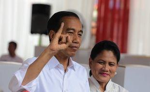 Joko et Iriana Widodo au moment de leur vote, le 17 avril 2019.