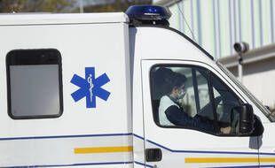 Une ambulance à Créteil (Val-de-Marne), en mars 2020 (illustration).