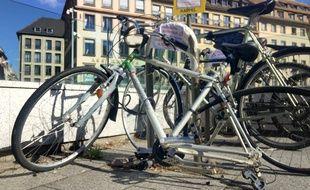 Un vélo place Gutenberg