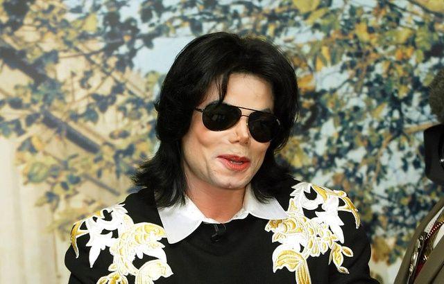 VIDEO. «Leaving Neverland»: la famille de Michael Jackson contre-attaque dans un nouveau documentaire 640x410_roi-pop-michael-jackson