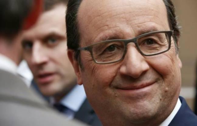 Le président François Hollande et le ministre de l'Economie Emmanuel Macron à Paris le 2 mars 2016