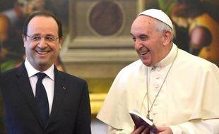Francois Hollande reçu par le pape François le 24 janvier 2014 au Vatican