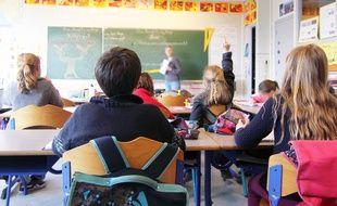 Illustration d'une salle de classe dans une école primaire, ici à Rennes.