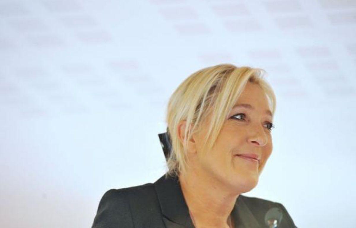 Au lendemain d'un tollé général, Marine Le Pen a assumé samedi sa demande d'interdiction du voile musulman et de la kippa juive dans la rue, s'estimant en phase avec l'opinion. – Alain Jocard afp.com