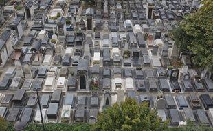 Cimetiere Montparnasse. Vue générale tombes, pierres tombales, caveaux. (Photo illustration)