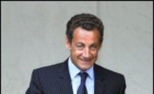 """Le mariage homosexuel, """"j'y ai beaucoup réfléchi et j'y suis opposé, tout comme à l'adoption d'enfants par des couples homosexuels"""", affirme Nicolas Sarkozy, très probable futur candidat présidentiel, dans le Figaro Magazine,  lui qui gardait le silence, jusqu'alors, sur ce thème."""