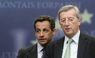 Le chef de l'Etat français Nicolas Sarkozy a déclenché une polémique avec ses partenaires en Europe en épinglant l'action de la BCE, en pleines turbulences financières, et en s'en prenant sans ménagement au président de l'Eurogroupe.