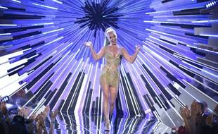 Britney Spears presents the award for male video of the year at the MTV Video Music Awards at the Microsoft Theater on Sunday, Aug. 30, 2015, in Los Angeles. (Photo by Matt Sayles/Invision/AP)/INVW/744327199875/083015111998, 21334631, /1508310415