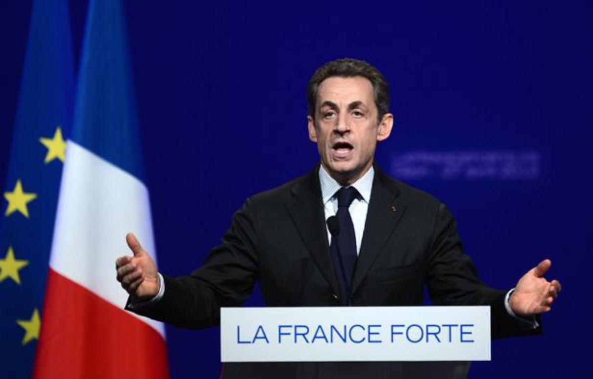 Nicolas Sarkozy en déplament à Dijon (Côte-d'Or), le 27 avril 2012. – AFP PHOTO/PHILIPPE DESMAZES