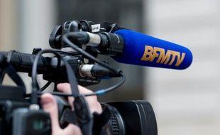 Logo de BFM TV, le 3 avril 2015 à Paris