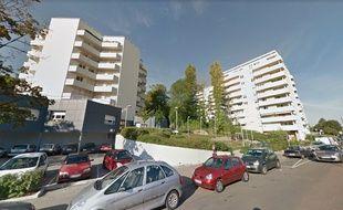 Le drame s'est déroulé dans un immeuble de la rue du Tire Pesseau, quartier de la Fontaine d'Ouche à Dijon.