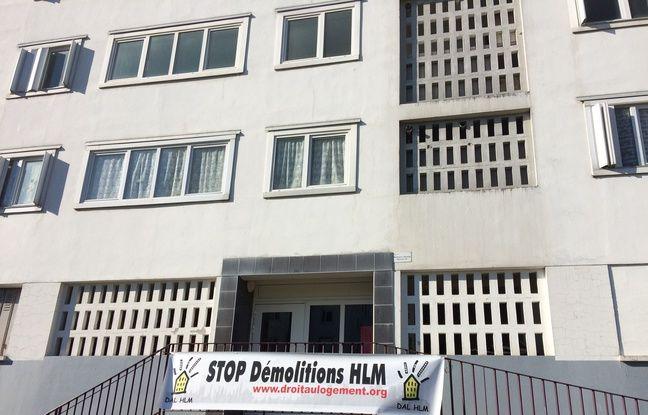 Les militants du DAL 33 s'élèvent contre la destruction programmée de l'immeuble de la Cité de la Benauge.