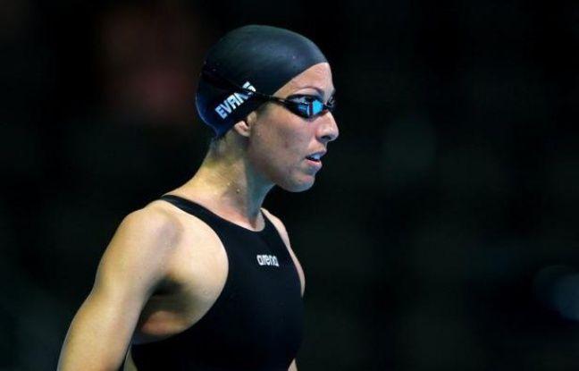 La revenante Janet Evans, 40 ans, a logiquement échoué à se qualifier pour les jeux Olympiques sur 400 m en se faisant éliminer en série du 400 m, mardi lors de la 2e journée des sélections américaines de natation, mais son grand objectif reste le 800 m.