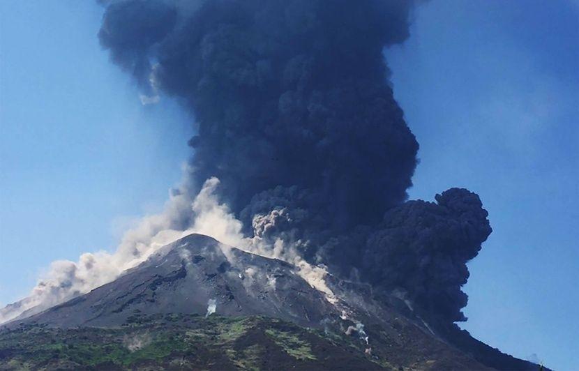 Italie: Le Stromboli entre à nouveau en éruption au large de la Sicile