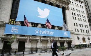 La façade de Wall Street, le 7 novembre 2013, pour l'introduction en Bourse de Twitter.
