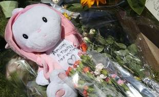 Une peluche déposée en hommage aux victimes de l'attentat de Nice,  le 15 juillet 2016.