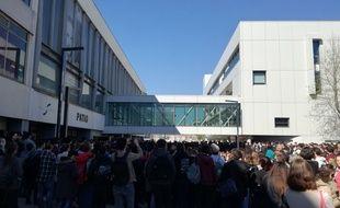 Le bâtiment emblématique du Patio de l'université de Strasbourg, un jour d'assemblée générale des étudiants mobilisés contre la réforme de l'accès à l'université, le 12 avril.