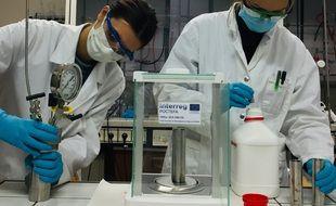 Dans le laboratoire toulousain qui planche sur la valorisation du Lindane.