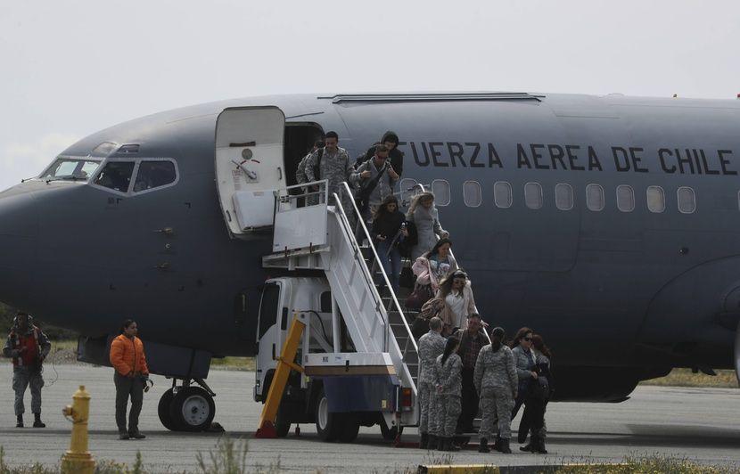Disparition D Un Avion Militaire Chilien Des Debris Retrouves En Mer
