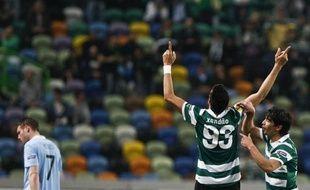 Le Sporting Portugal a fait un pas vers les quarts de l'Europa League en battant le leader du Championnat d'Angleterre, Manchester City, 1 à 0, jeudi lors du 8e de final aller.