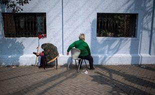 Deux personnes âgées à Shangaï (image d'illustration).