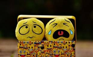 Illustration d'une dépression, un des signes des troubles bipolaires, où les crises maniaques et dépressives se succèdent.