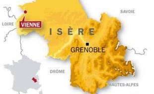 Deux islamistes présumés, proches d'Al Qaida Maghreb, arrêtés en Isère, le 8 octobre 2009.