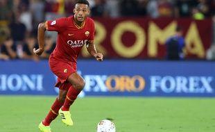 Un supporter de l'AS Rome ayant écrit des messages racistes envers Juan Jesus a été banni de stade à vie par le club.